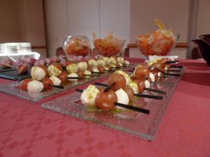 Mini broqueta de mozzarella i tomàquet cherry