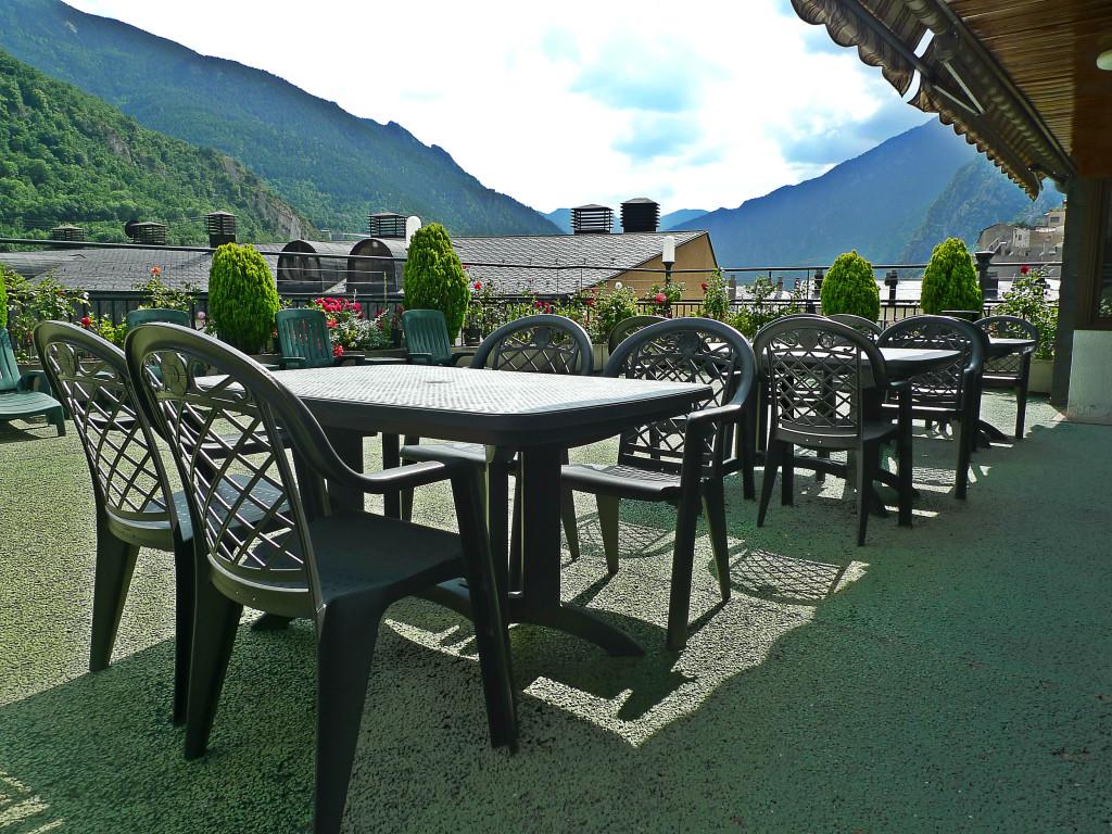 Terraza Bar de la Piscina - Mercure Andorra